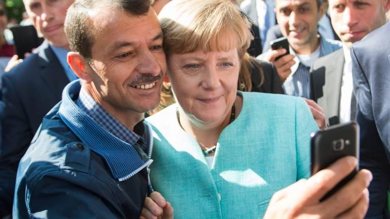 Selfie-Mann ist immer noch von Merkel begeistert