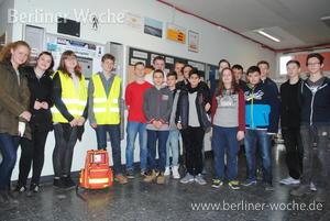Defibrillator in Carlo-Schmid-Schule: Rettungsgerät nützt auch der Öffentlichkeit – Berliner Woche